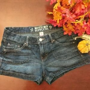 Cute dark denium shorts size 11